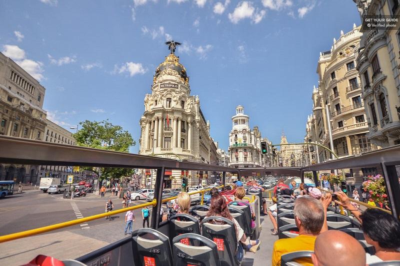 самостоятельная экскурсия по Мадриду на автобусе