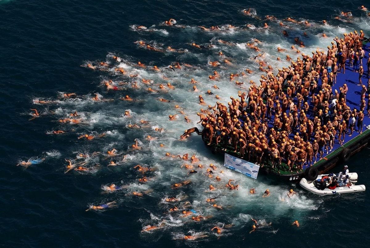 Старт заплыва в Стамбуле